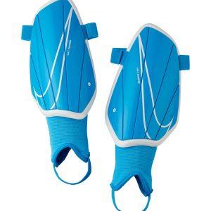 Ochraniacze Nike Charge SP2164-486 Rozmiar S (150-160cm)