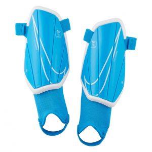 Ochraniacze Nike Junior Charge SP2165-430 Rozmiar S (120-130cm)