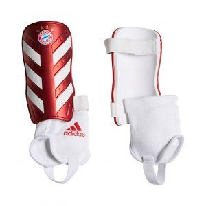 Ochraniacze adidas Bayern Monachium CW9703 Rozmiar XS (120-140cm)